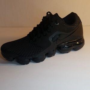 New Womens Nike Air Vapormax triple black